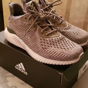 Adidias Sneakers